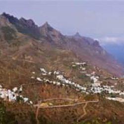 .  Taganana, corazón del Parque Rural de Anaga, sorprende siempre, encaramada en…