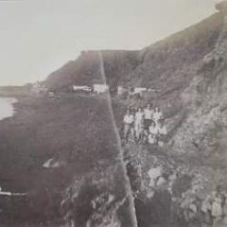 Playa Roque de las Bodegas en Taganana, vecinos del lugar por el antiguo camino….
