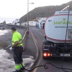 Hoy hemos realizado un servicio especial de limpieza con agua a presión y dete…