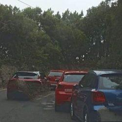 Vecinos del interior de Anaga reclaman ayuda municipal al caos de tráfico