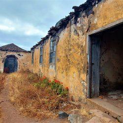 Abandono y dejadez  Hacienda y Casona del siglo XVI y ermita de San Gonzalo de A…