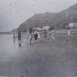 Playa Roque de las Bodegas, año 1935.  ·