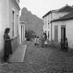 Calle Portugal. Taganana.  Santa Cruz de Tenerife.  Año? Autor?  ·